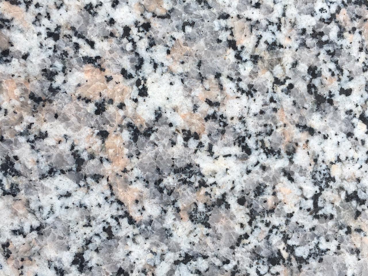 Pavimento in granito rosa beta in offerta grando for Silestone o granito 2016